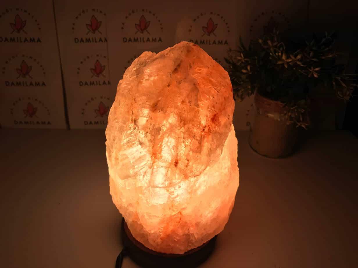 Hình ảnh Đèn Đá Muối Himalaya Phong Thủy Tự Nhiên chính hãng tốt giá rẻ nhất tại DamiLama